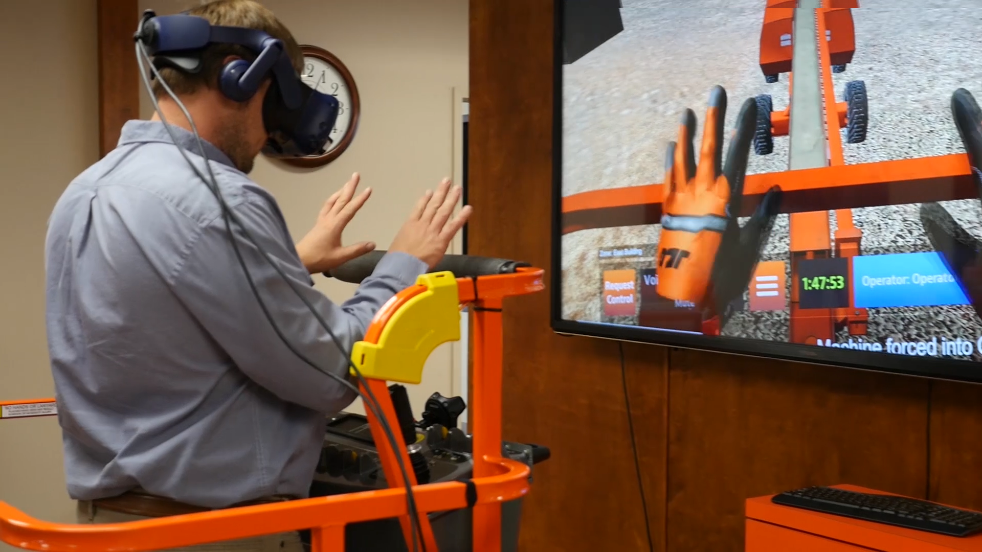 JLG Equipment Simulator by ForgeFX Includes Hand-Tracking
